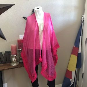 NWT Cejon one size poncho in vibrant pink